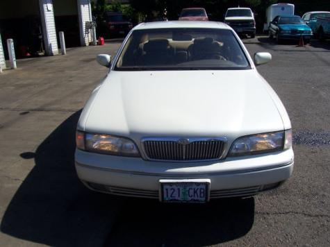 Photo #3: luxury sedan: 1994 Infiniti Q45 (White Cream)