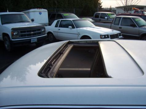 Photo #5: luxury sedan: 1994 Infiniti Q45 (White Cream)