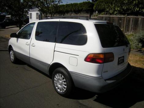 used 1998 toyota sienna passenger minivan under 4000 in or. Black Bedroom Furniture Sets. Home Design Ideas