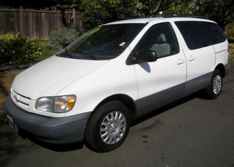 1998 Toyota Sienna LE For Sale in Portland OR Under $4000 ...
