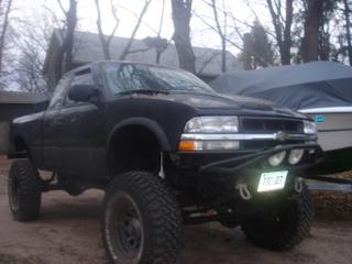 Photo #12: pickup truck: 2001 Chevrolet S-10 (Black)