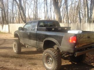 Photo #2: pickup truck: 2001 Chevrolet S-10 (Black)