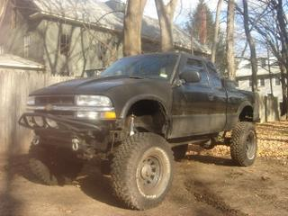 Photo #1: pickup truck: 2001 Chevrolet S-10 (Black)