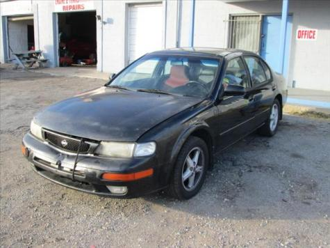Photo #2: sedan: 1998 Nissan Maxima (Black)