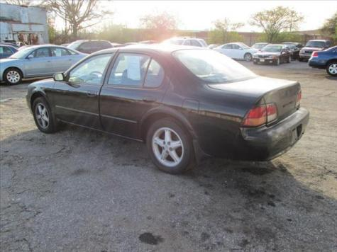 Photo #4: sedan: 1998 Nissan Maxima (Black)