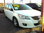 2009 Volkswagen Routan under $10000 in California