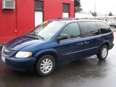 Used Cars Under $1000 >> Cheap Chrysler Town & Country '01 Minivan For Under $3000 in Idaho - Autopten.com