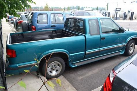 Photo #3: pickup truck: 1996 Chevrolet S-10 (Green Metallic)
