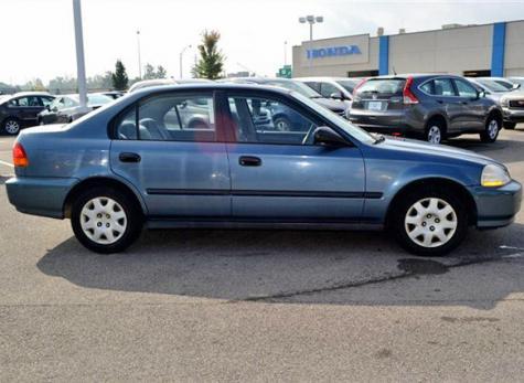 Good Used Car Under $1500 - Cheap Honda Civic DX 1998 in Ohio - Autopten.com