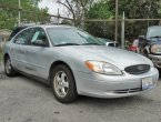 2004 Ford Taurus under $1000 in Illinois