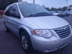 2005 Chrysler Town Country under $8000 in Florida