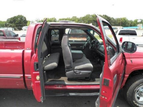 Photo #5: truck: 1999 Dodge Ram (Red)