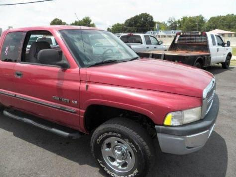 Photo #7: truck: 1999 Dodge Ram (Red)