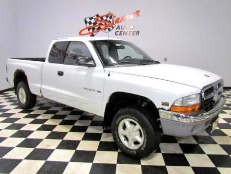 Photo #1: pickup truck: 2000 Dodge Dakota (White)