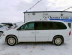 1998 Chrysler Town Country (White)
