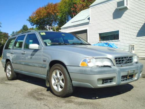 Volvo V70 Xc 98 Station Wagon In Nh For 500 Or Less