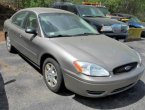 2005 Ford Taurus under $2000 in Massachusetts