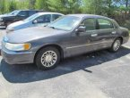 2001 Lincoln TownCar under $2000 in Massachusetts