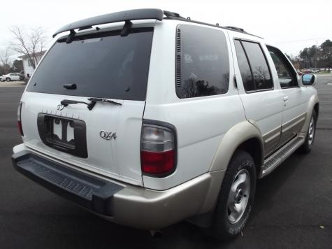 Photo #3: luxury suv: 2000 Infiniti QX4 (White)