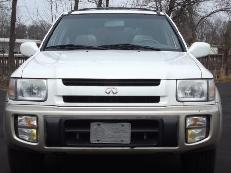 Photo #4: luxury suv: 2000 Infiniti QX4 (White)
