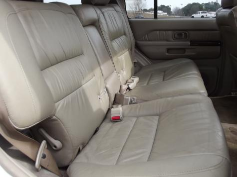 Photo #8: luxury suv: 2000 Infiniti QX4 (White)