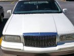 1997 Lincoln TownCar (white)