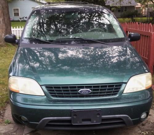 Cheap Minivan $1K Near Chicago IL: Ford Windstar LX '02