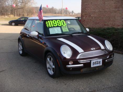 2002 mini cooper hatchback for sale in janesville wi under 11000. Black Bedroom Furniture Sets. Home Design Ideas