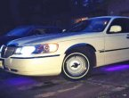 2000 Lincoln TownCar under $4000 in Washington