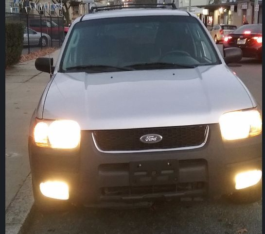 2004 Ford Escape SUV For Sale By Owner In MA Under $3000