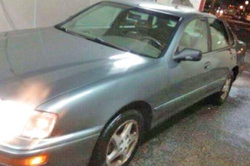 1997 toyota avalon sedan for sale by owner in ct under 2000. Black Bedroom Furniture Sets. Home Design Ideas