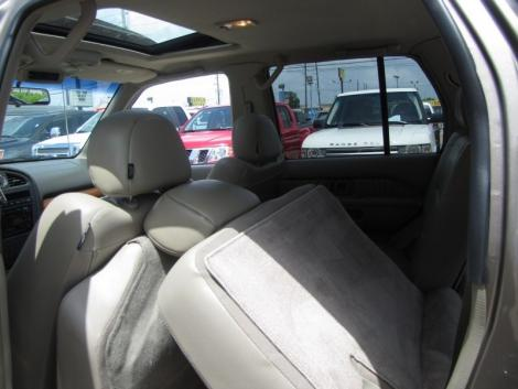 Photo #11: luxury suv: 2002 Infiniti QX4 (Stone Beige)
