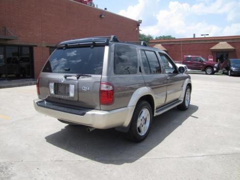 Photo #5: luxury suv: 2002 Infiniti QX4 (Stone Beige)