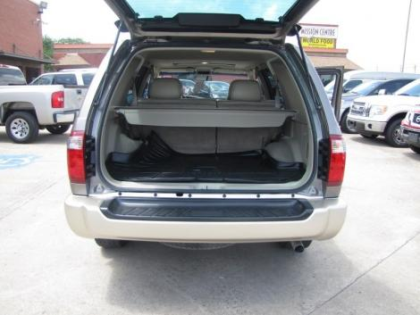 Photo #9: luxury suv: 2002 Infiniti QX4 (Stone Beige)