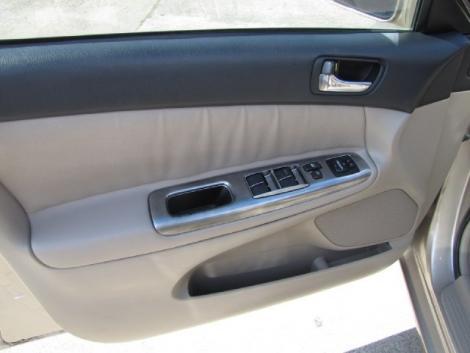 Photo #11: sedan: 2002 Toyota Camry (Tan)