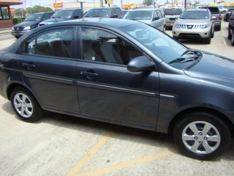 Photo #2: sedan: 2009 Hyundai Accent (Arctic Blue)