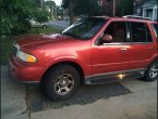 2002 Lincoln Navigator (Red)