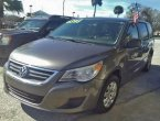 2010 Volkswagen Routan under $6000 in Florida