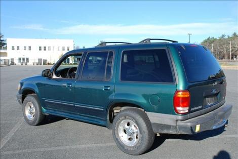 2001 ford explorer xlt for sale under 3000 in exeter ri. Black Bedroom Furniture Sets. Home Design Ideas