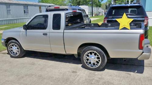 nissan frontier 39 98 pickup truck under 4k houston tx by owner. Black Bedroom Furniture Sets. Home Design Ideas