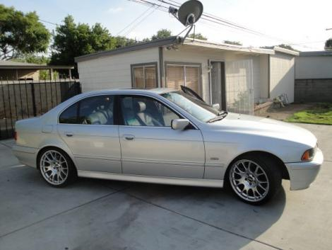 Photo #1: luxury sedan: 2001 BMW 525 (Silver)