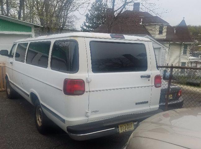 1998 dodge van cargo van for sale by owner in nj under 2000. Black Bedroom Furniture Sets. Home Design Ideas