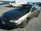 1998 Nissan Altima (Gold)