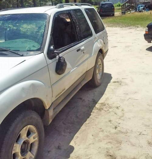 SUV Under $1K Leesville SC: Ford Explorer '01 By Owner