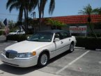 2000 Lincoln TownCar under $4000 in Florida