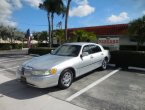 2002 Lincoln TownCar under $6000 in Florida
