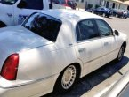 2000 Lincoln TownCar (Cream)