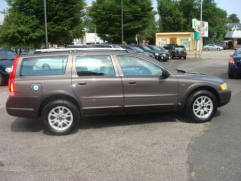 volvo xc70 station wagon by owner in wi under 13000. Black Bedroom Furniture Sets. Home Design Ideas