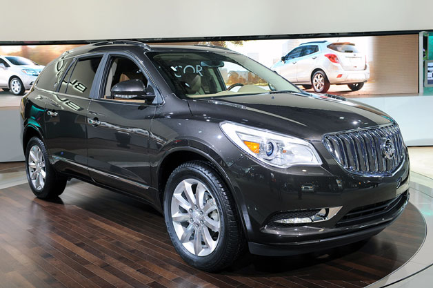 /pics/2013-buick-enclave-suv-gray-usa-best-family-vehicle.jpg