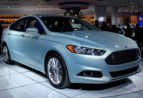 2014 Ford Fusion Hybrid SE source: http://shortnewsposter.com/tag/2013